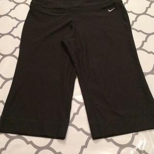 Nike Pants - $14 Nike Capri pant lot size large Euc